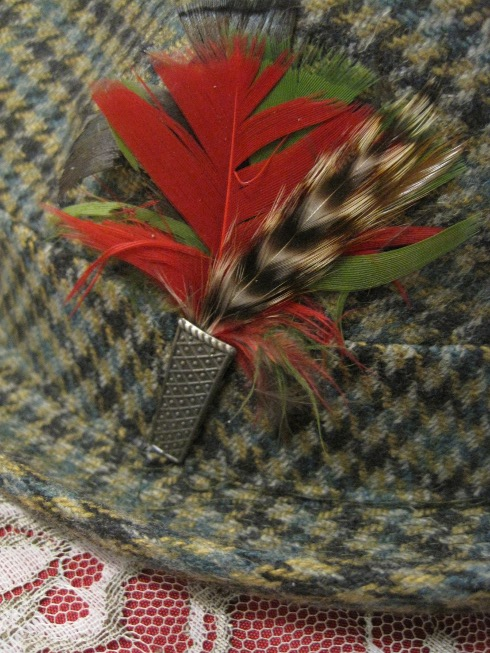 feather of vintage fedora hat