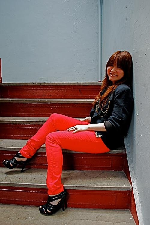 pink brick house photo shoot