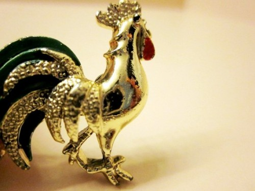 vintage rooster animal pin