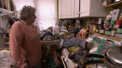 hoarder in kitchen
