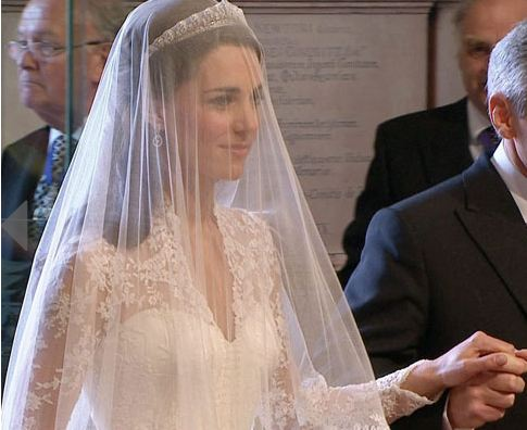 kate middleton wedding dress
