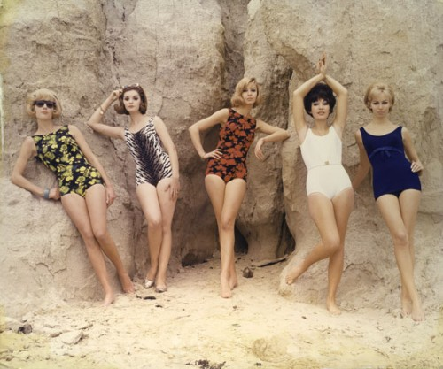 How to Wear a Vintage Bathing Suit: '60s, '70s & '80s!