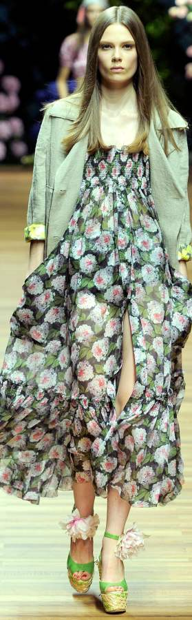 How to Wear Vintage Floral Palazzo Pants