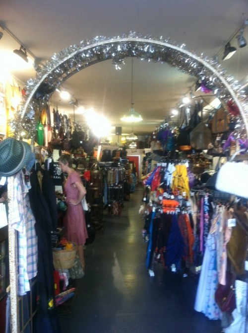 guvnor's vintage and thrift store brooklyn