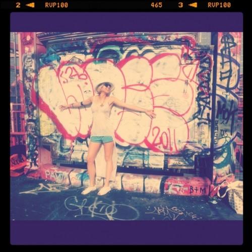 graffiti williamsburg bridge
