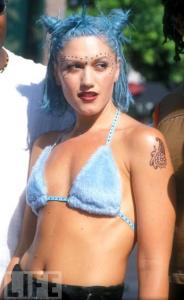 gwen stefani blue hair 90s fashion trends