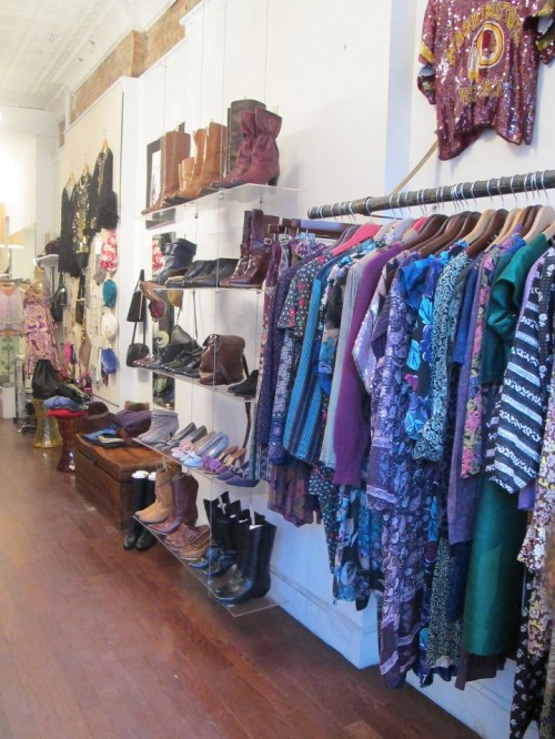 organize vintage store by color