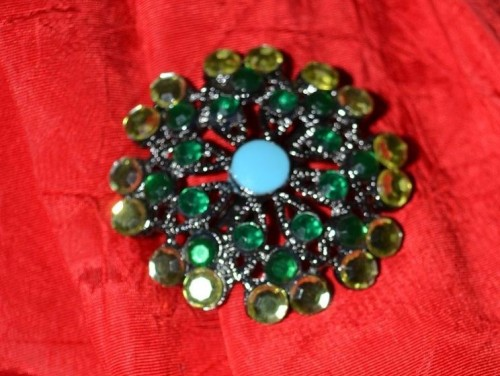 vintage holiday accessories green emerald broach