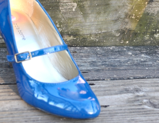 liz clairbone blue pumps