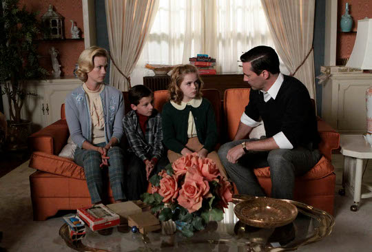 scene of mad men showing draper family on couch
