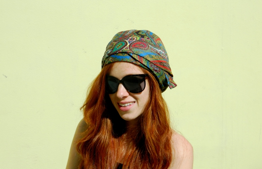 1920s vintage turban styled with sunglasses on fashion blogger wore out