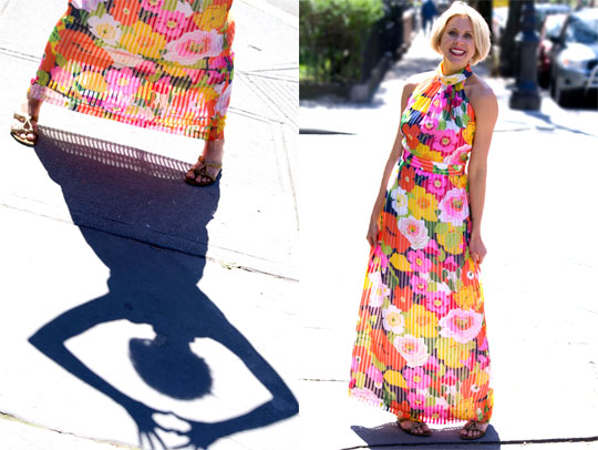 1970s-Floral-Pleated-Maxi-Dress_2shot