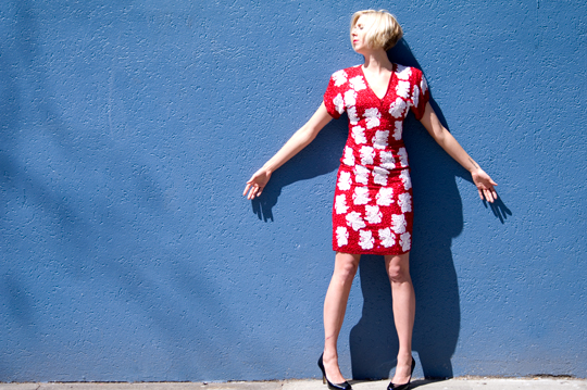 80s_sequins_dress_red_wall