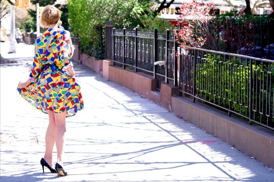 1980_crazy_pattern_dress_street
