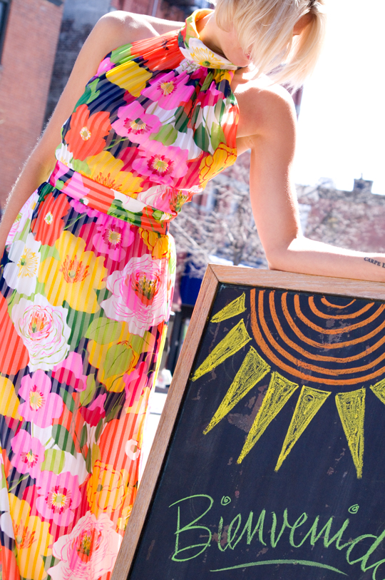 1970s-Floral-Pleated-Maxi-Dress-main