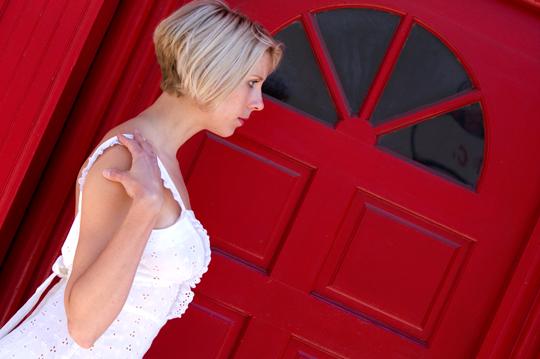 70s-White-Eyelet-Open-Back-Sundress-side