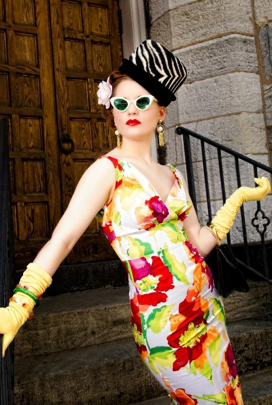 hope adela of pink champagne blog wearing stop staring