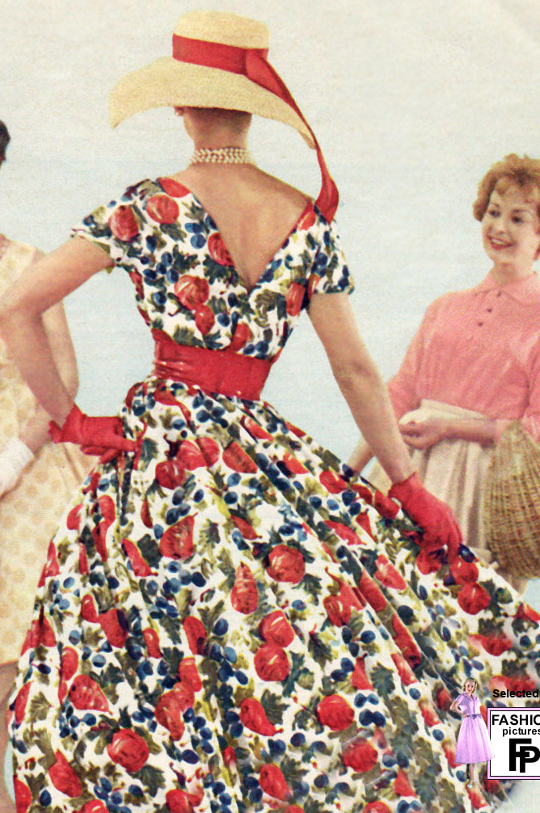 an example of the 1950s new look style
