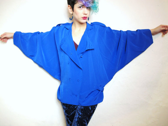 '80s clothing trend batwing sleeves