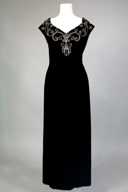 '80s clothing trend old hollywood black dress
