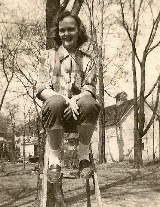 1950s fashion teenager