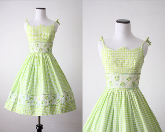 cf5aba25d3e5 1950s Women s Fashion Style for 21st Century Women