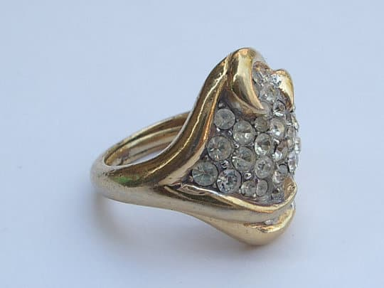 trifari vintage ring costume jewelry