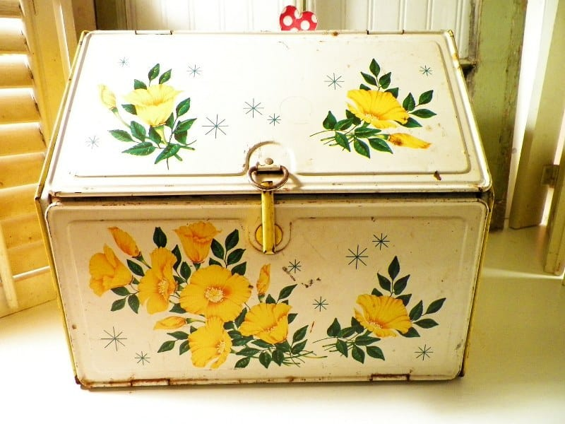 Vintage Kitchenware That Is Fun To Have