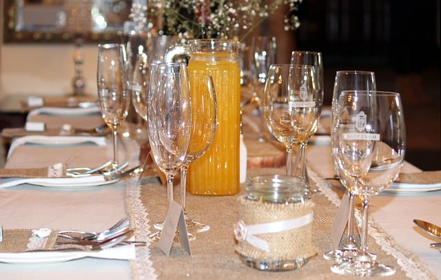 Image Source: https://pixabay.com/en/wedding-table-glasses-plate-cutlery-1375781/