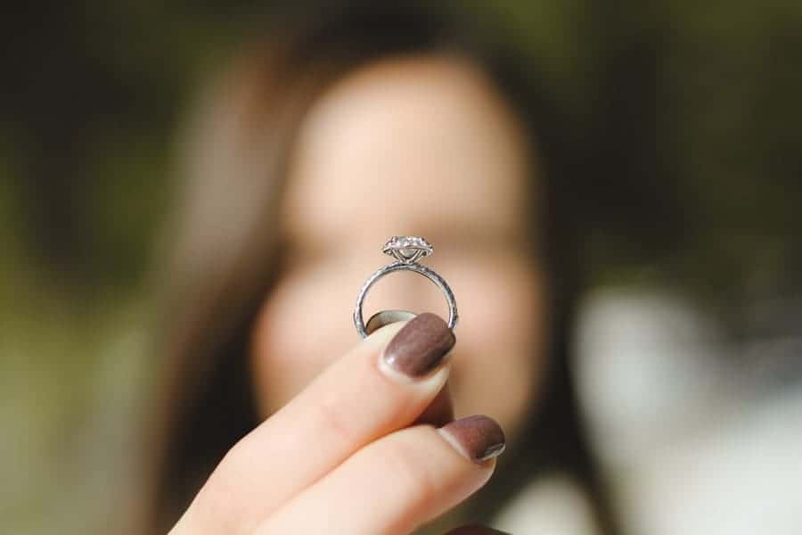 5 Simple Steps to Get that Perfect Engagement Ring You Want