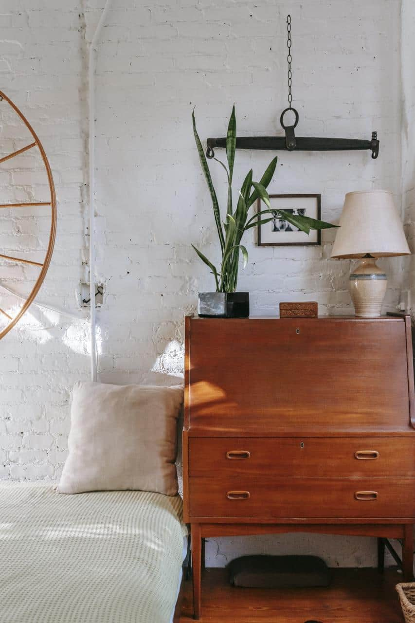 4 Ways Vintage Shopping Can Help You Connect with Loved Ones